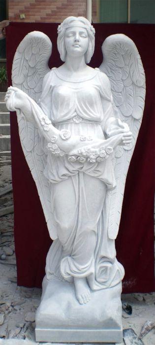 скульптуры из мрамора Синявино